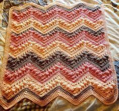 Hugs Kisses Baby Blanket Tutorial Crochet Afghans, Crochet Ripple, Afghan Crochet Patterns, Baby Blanket Crochet, Crochet Stitches, Crochet Baby, Chevron Blanket, Crochet Blankets, Baby Blankets