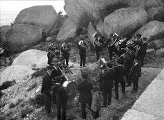 Banda Filarmónica, Serra da Estrela, Portugal by Biblioteca de Arte-Fundação Calouste Gulbenkian, via Flickr