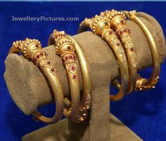 Antique Bangles - Page 2 of 4 Latest Indian Jewelry - Jewellery Designs Gold Bangles Design, Gold Earrings Designs, Gold Jewellery Design, Gold Jewelry, Jewelery, Ethiopian Jewelry, Indian Jewelry, Antique Jewellery Designs, Bridal Bangles