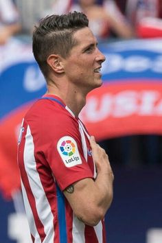 Fernando Torres Atletico Madrid Football Soccer, Football Players, Antoine Griezmann, Manchester City, Baseball Cards, Guys, Men, Life, Wallpapers