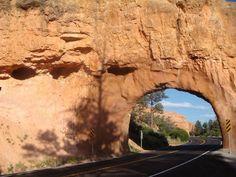 Das Tor zum Bryce Canyon Nationalpark auf der Rundreise: 21 Tage Westküste USA. #usamietwagentips #usa #brycecanyon