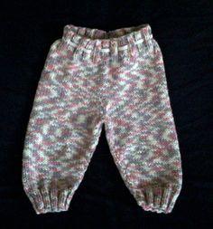 Baby Knitting Patterns Pants Ravelry: Oh Baby! Knitted Pants pattern by Karen Van Harten Crochet Baby Pants, Knit Baby Dress, Knitted Baby Clothes, Knit Pants, Romper Pants, Shorts, Baby Knitting Patterns Free Newborn, Baby Boy Knitting, Knitting For Kids