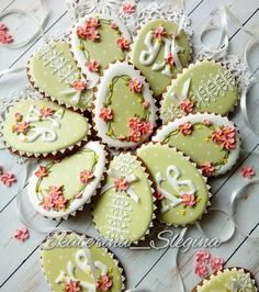 "Beautiful Easter 🐣 eggs cookies Екатерина on Instagram: ""Бесконечно нежные 💚❤💚❤"