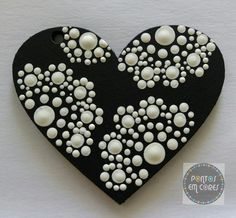 Maybe make these with pearls Rock Painting Patterns, Dot Art Painting, Mandala Painting, Pebble Painting, Pebble Art, Stone Painting, Mandala Dots, Mandala Pattern, Rock Crafts