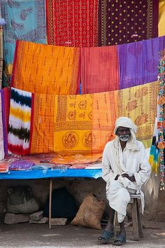 88 Pictures of the Beautiful and Colorful People of India . - 88 Pictures of the Beautiful and Colorful People of India … - Varanasi, Sri Lanka, Indian Fabric, Indian Textiles, Taj Mahal, We Are The World, People Of The World, Goa India, Namaste