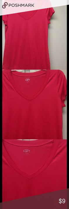 Ann Taylor LOFT V-Neck T-Shirt, L Beautiful coral LOFT v-neck t-shirt in size large. Ultra comfortable, made of cotton and modal and worn only one time! LOFT Tops Tees - Short Sleeve
