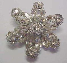 vintage WEISS fancy clear rhinestone brooch   eBay