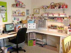 Scrap by Joelma Martins: Scraproom Sewing Room Design, Craft Room Design, Sewing Rooms, Craft Desk, Craft Room Storage, Craft Organization, Craft Rooms, Organizing, Space Crafts