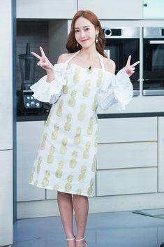 "Taiwan's TV variety show ""Stylish Man The Chef"" Sooyoung, Yoona, Kim Hyoyeon, Jessica Snsd, Jessica & Krystal, Jessica Lee, Krystal Jung, Yuri, Jessica Jung Fashion"