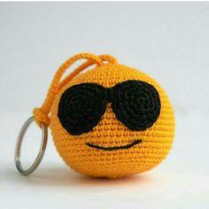 ideas for crochet keychain pattern free emoji Crochet Toys Patterns, Crochet Dolls, Crochet Stitches, Crochet Keychain Pattern, Crochet Coin Purse, Amigurumi Tutorial, Crochet Mandala, Crochet Beanie, Crochet For Beginners