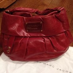 sale!!! Marc by MarcJacobs brick red bag Fabulous condition! Single strap with an additional detachable longer strap (which was never used)! Dust bag included. Marc by Marc Jacobs Bags Hobos