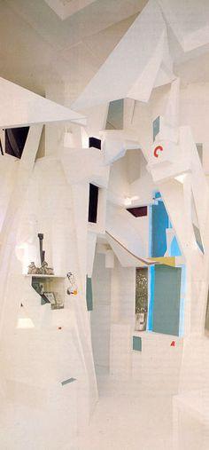 "Kurt Schwitters - ""Merzbau"" reconstruction, 1980-1983. 393 x 580 x 460 cm. © Sprengel Museum, Hanovre"