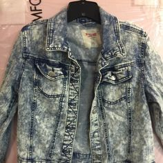 Light wash Jean Jacket so cute ! Jean jacket light wash. Jacket worn 2 times. Great condition. I wore this over my maxi dress. Don't miss this unique washed Jean jacket. Bought at Target. 99%cotton 1% spandex . Stretches and like new Mossimo Supply Co Jackets & Coats Jean Jackets