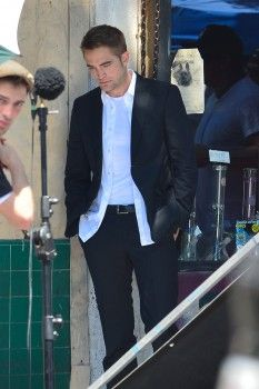 More pics of Rob on set for MTTS 8-20-13 (23)