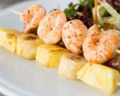 Recipe for Croq'Kilos Shrimp and Pineapple Brochettes with Spices Pineapple Shrimp, Shrimp Skewers, Spicy Shrimp, Finger Foods, Potato Salad, Seafood, Spices, Nutrition, Healthy Recipes