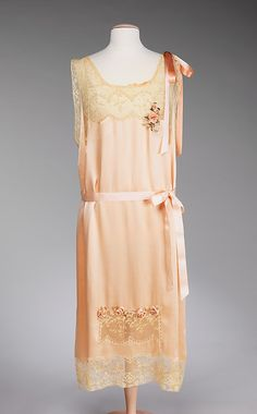 Nightgown 1926, French, Made of silk