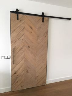 When homeowners first hear about the possibility of using barn doors as interior doors in their home, the initial image that springs to mind may be substantially different than the reality. Metal Barn Homes, Metal Building Homes, Pole Barn Homes, Pole Barns, Sliding Door Design, Modern Sliding Doors, Diy Barn Door, Diy Door, Pole Barn House Plans
