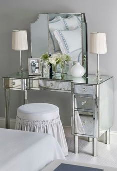 Bedroom Makeup Vanity with Lights | make up vanity, vanity desk, console, bedroom vanity, bathroom vanity ...