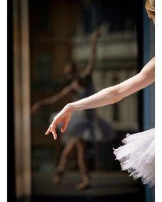 Neste Dia Municipal do balé clássico deixamos aqui o nosso parabéns a todos os amantes e praticantes de uma das danças mais encantadoras! Que não lhes falte plié jeté e frappé para levar a vida com mais charme  . . . #baleclassico #ballet #repost #pinterest  via MARIE CLAIRE BRASIL MAGAZINE OFFICIAL INSTAGRAM - Celebrity  Fashion  Haute Couture  Advertising  Culture  Beauty  Editorial Photography  Magazine Covers  Supermodels  Runway Models