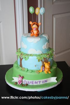The Caking Girl: Winnie the Pooh Cakes!