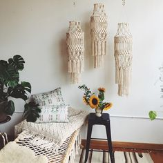 Fall in love all over again with the boho woven decor trend of macrame when you see our favorite ideas to incorporate it into your home. Macrame Art, Macrame Projects, Diy Projects, Macrame Design, Macrame Curtain, Macrame Plant Hangers, Ideas Geniales, Macrame Patterns, My New Room