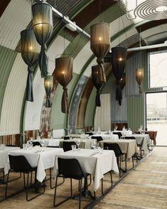 Green paneling in trendy restaurant space Bar Interior, Interior Concept, Best Interior Design, Interior Exterior, Luxury Interior, Cafe Restaurant, Luxury Restaurant, Restaurant Design, Amsterdam Restaurant