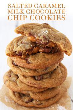 Best Cookie Recipes, Baking Recipes, Dessert Recipes, Desserts, Caramel Chocolate Chip Cookies, Salted Caramel Chocolate, Salted Caramel Cookie Recipe, Salted Cookies Recipe, Caramel Deserts