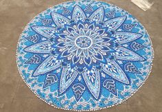 White Blue Flower Ombre Round Beach Throw Yoga Mat With Pom
