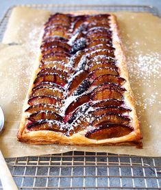 Cream Cheese Plum Tart (The Kitchen Paper) Puff Pastry Recipes, Tart Recipes, Fruit Recipes, Gourmet Recipes, Dessert Recipes, Dessert Tarts, Recipies, Plum Recipes Healthy, Cream Cheese Puff Pastry
