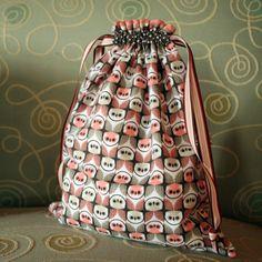 DIY: fabric gift bag