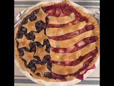 Old Glory Berry Pie Thumbnail 2 Köstliche Desserts, Delicious Desserts, Patriotic Desserts, Best Party Food, Recipe Creator, Desert Recipes, Holiday Recipes, Holiday Treats, Cooking Recipes