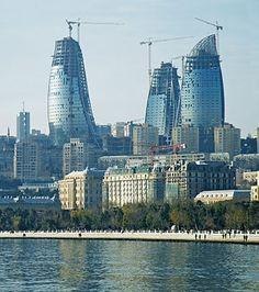 Baku - un oras fascinant!  Primele cladiri de birouri din lume sub forma de flacare!