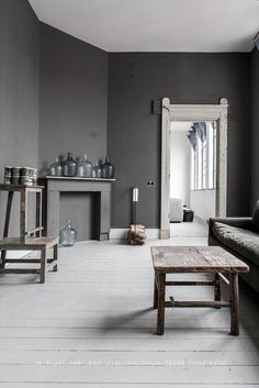 Living room warm tones dark wood 41 Ideas You are in the right plac. - Warm Home Decor Grey Room, Living Room Grey, Home And Living, Living Room Furniture, Living Room Decor, Living Spaces, Brown Furniture, Gray Interior, Home Interior