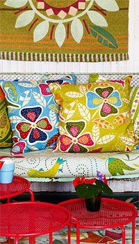 I love Gudrun Sjoden's patterns... (Gudrun Sjoden is a Swedish designer)