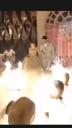 Indian Wedding Video, Outdoor Indian Wedding, Indian Wedding Planning, Wedding Photoshoot, Wedding Pics, Wedding Couples, Cute Love Couple, Cute Couple Videos, Bridal Songs
