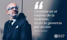 Frase célebre de Warren Buffet: ¨Céntrese en el retorno de la inversión, no en la ganancia por acción.¨ Warren Buffett, Real Estate, Movies, Movie Posters, Fictional Characters, Founding Fathers, Famous Taglines, Motivational Quotes, Finance