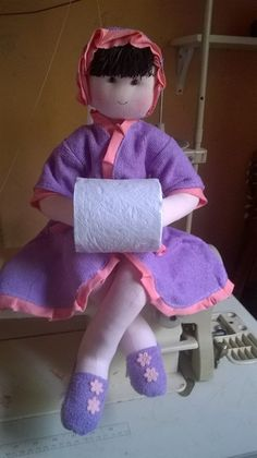 КУКЛЫ-ДЕРЖАТЕЛИ ТУАЛЕТНОЙ БУМАГИ: prelenka — LiveJournal Diy Doll Toilet, Sewing Patterns Free, Free Pattern, Ever After Dolls, Toilet Paper Roll Holder, Doll Eyes, Sewing Crafts, Dinosaur Stuffed Animal, Projects To Try