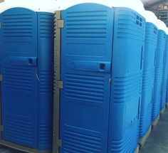MyBlok portable toilet from manufacturer Tblustar in Italy! Functionnal and modern porta potty - Blue loos