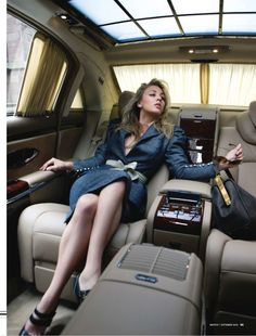 the lady from big bang, in her character's element. orig: Kaley Cuoco star of The Big Bang Theory poses inside of a Maybach for Watch! Limousin, Rolls Royce, Glamour, Car Best, Super Moda, Auto Girls, Car Girls, E Motor, Luxe Life