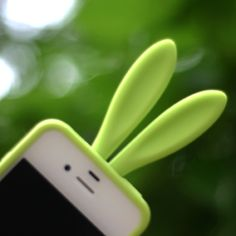 Did you hear that squeal? That was Bunny san wailing at the cuteness of this Rabito iPhone case! Iphone 3, Iphone Cases, Geek Tech, Tech Toys, Oui Oui, Give It To Me, How To Make, Cool Gadgets, Geek Stuff