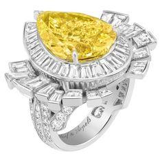 Van Cleef And Arpels Jewelry, Van Cleef Arpels, High Jewelry, Luxury Jewelry, Jewellery, Chanel Jewelry, Ring Sketch, Unusual Engagement Rings, Yellow Jewelry