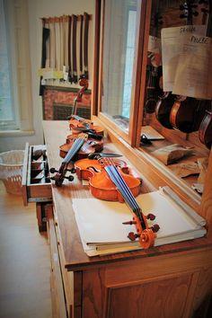 Johann Sebastian Bach ( 1685 - 1750 ) Air on the G String (Suite No. BWV Frank Kim and S. Lee Violin - This performace presented by violin foundat. Sebastian Bach, G Strings, Violin, Dental Floss