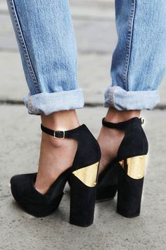 Loving this! Especially the metallic gold detail those heels with the ninties straight jeans - sublime!
