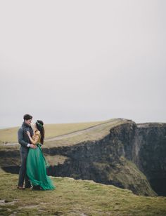 Ireland love session featured on Green Wedding Shoes - Photo by Cottonwood Studios--- www.cottonwoodstudiosworldwide.com , Ireland, Ireland engagement session, engagements in Ireland, Ireland photographer, destination wedding photographer, elopement photographer, elopement photography, elopement photos, cliffs of moher