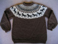 horse pattern Ravelry: Hestapeysa (Icelandic Sweater with Horses) pattern by Jhanna Hjaltadttir Fair Isle Knitting Patterns, Sweater Knitting Patterns, Knit Patterns, Knitting Sweaters, Knitting For Kids, Double Knitting, Ravelry, Icelandic Sweaters, Horse Pattern