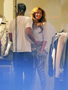 Bey And Her Hubby Out Shopping #BeyonceKnowles, #Beyonce, #bey, https://apps.facebook.com/yangutu