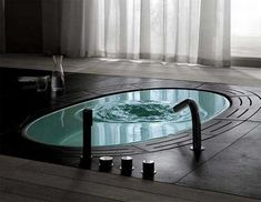 floor bathtub...I want this.