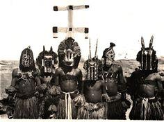michel leiris dogon - Michel Leiris, Critique D'art, Art Français, Creatures 3, Western Art, African Art, Westerns, Primitive, Exotic