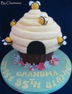 Bee Hive Giant Cupcake - Cake by Charmaine Large Cupcake Cakes, Cupcake Cake Designs, Big Cupcake, Giant Cupcakes, Small Cake, Ladybug Cupcakes, Kitty Cupcakes, Snowman Cupcakes, Cupcake Images