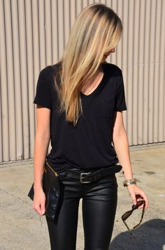 Street style | Black tee and leather pants